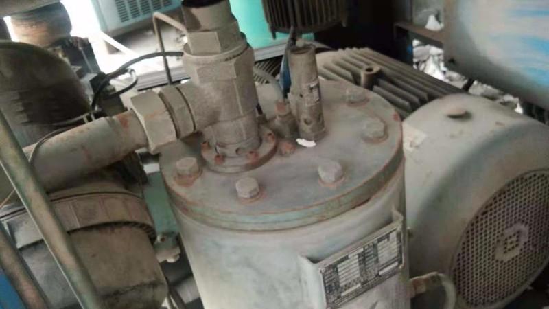 深圳螺杆空压机之机油过滤器如何更换